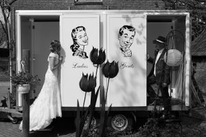 Bruiloft toiletwagen