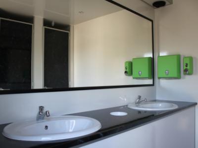 Toiletwagen vip wastafels